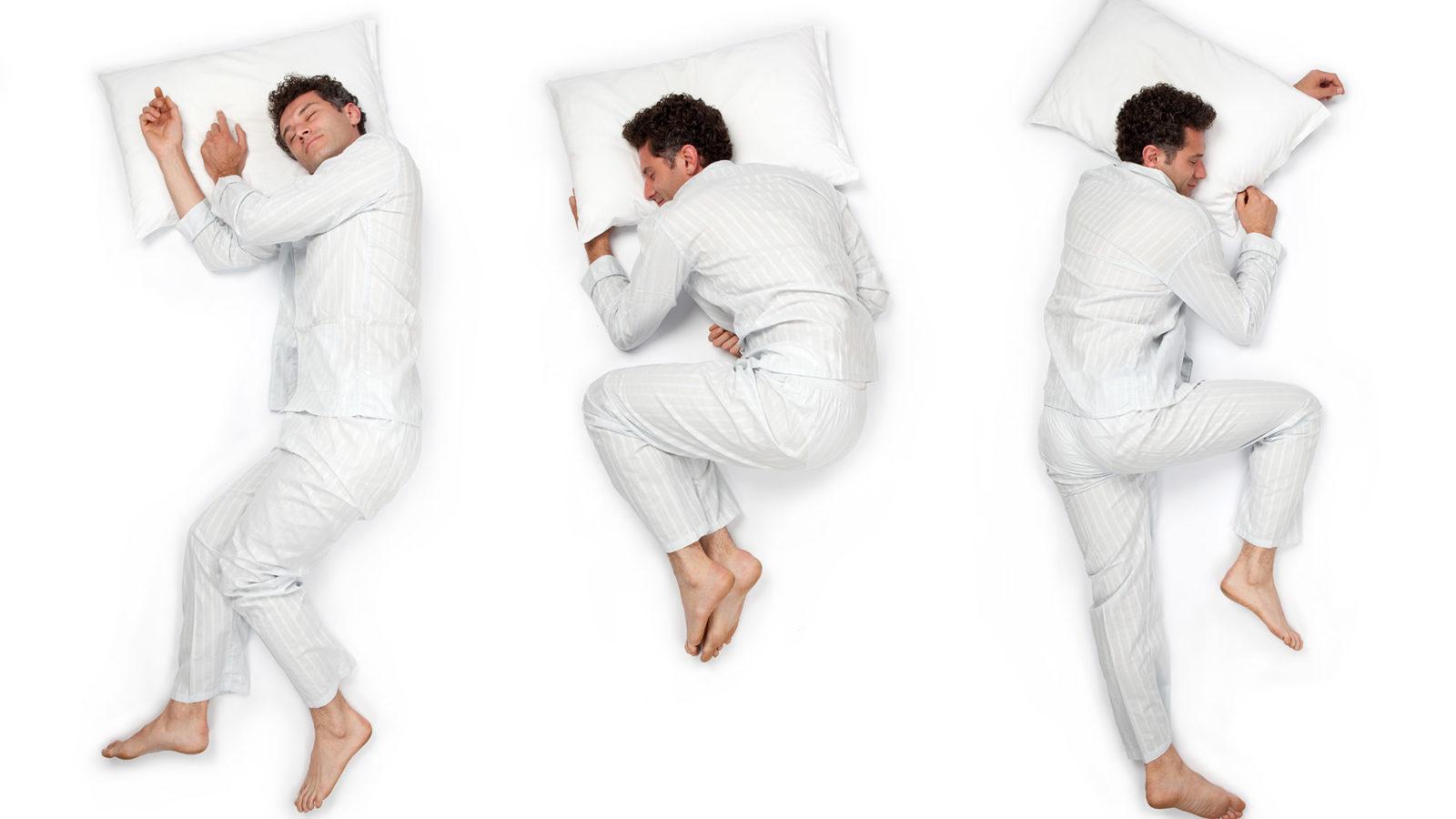 Mann schläft auf Kissen - drei verschiedene Postionen